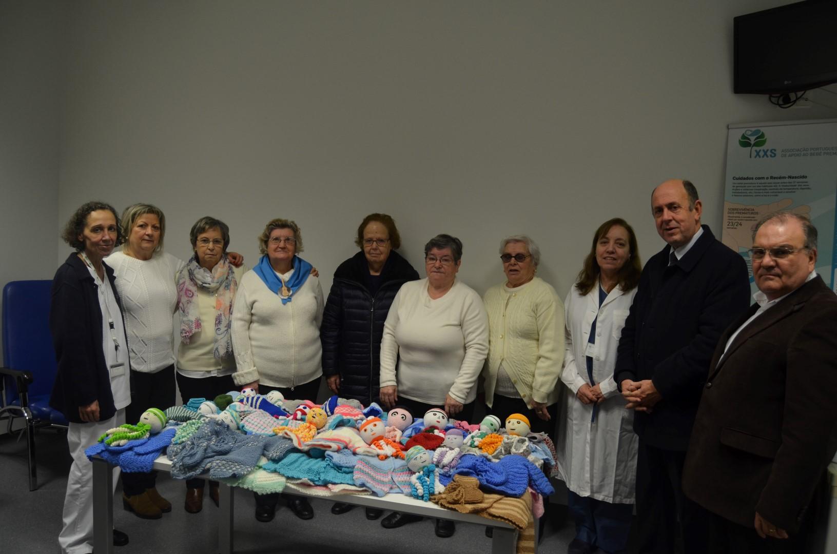 hospital-de-braga-Idosos ofereceram roupas a prematuros